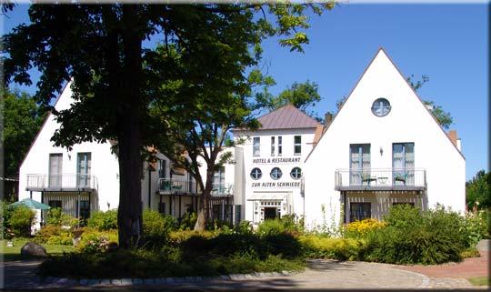 West-Rügen: Schaprode-Poggenhof: Hotel Restaurant Zur Alten Schmiede